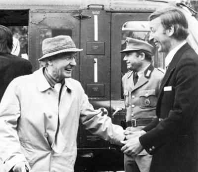 Ankunft von Henry Moore 1975 in Goslar mit einem Bundesgrenzschutz-Hubschrauber, mit Th.K.Peter Schenning, 1975