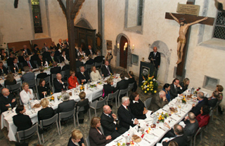 Festliches Essen zu Ehren des Künstlers -  am Vorabend der Kaiserring- verleihung Foto: U. Epping